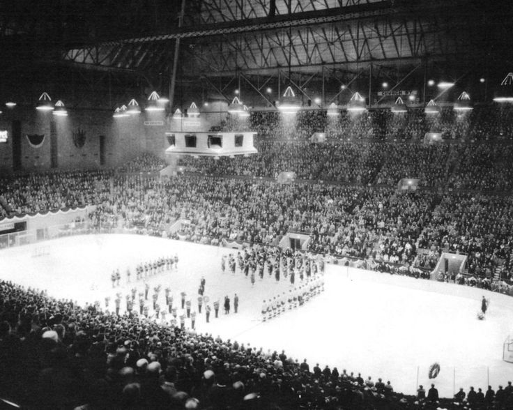 1931 First Game at Maple Leaf Gardens Photo!