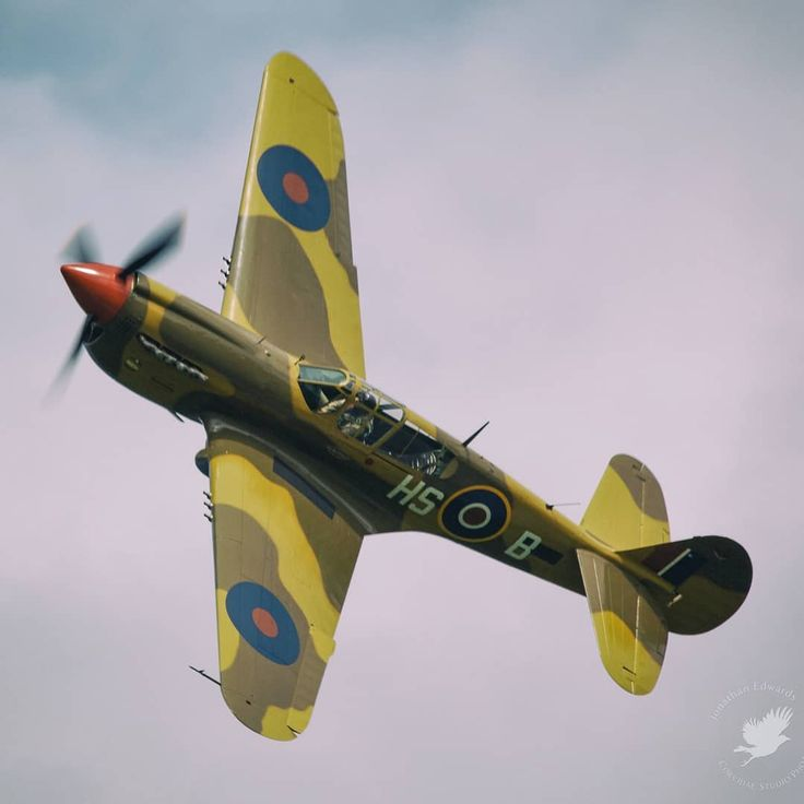 "57 Likes, 4 Comments - Jonathan Edwards (@corvidaephotos) on Instagram: ""#WarbirdWednesday !@vintagewingsofcanada 's Curtiss P-40N Kittyhawk at the 2012 Wings Over…"""