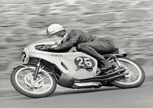 Mike Hailwood. 125 TT 1966.