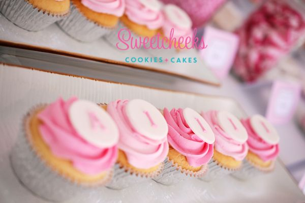 Personalised Cupcakes Delicious Cupcakes Delivered in Melbourne - Sweetcheeks Cookies & Cakes