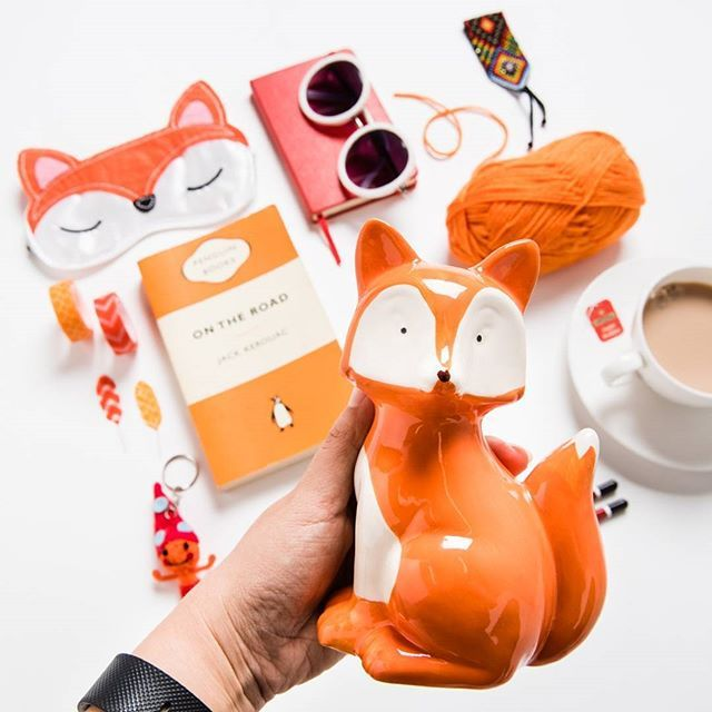 What does the fox say?  Maybe something like, 'Hey look at me, I'm #instafamous'   The lovely @clickthisphoto found this little guy on Ozsale and fell immediately in love with him. Well, who wouldn't?   #ozsale #ozsaleloves #mystylefind #fox #orange #loveorange #colourful #whatdoesthefoxsay #flatlay #flatlayforever #flatlayshoot #makingaflatlay #livecolourfully #acolorstory #abmilifeiscolorful #colorlove #livecolorfully #handsinframe #colorgram #colorinspiration #colorhunting