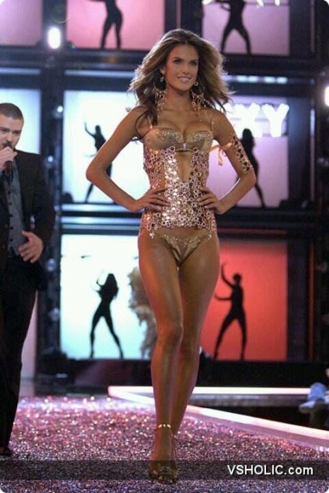 Fashion Show 2006 - Femme Fatale