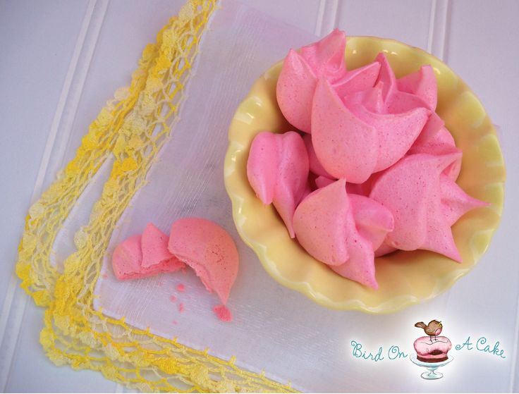 Bird On A Cake: Meringue Tulips Cake for Mother's Day