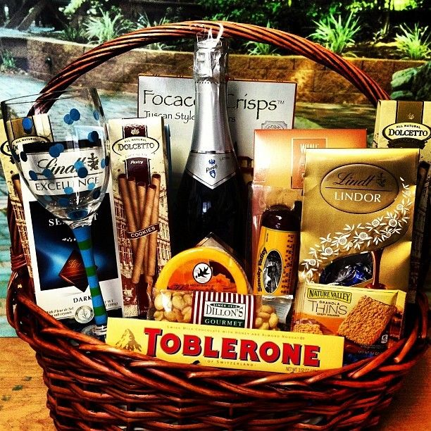 10 best wine champagne and beer gift baskets images on pinterest this champagne birthday gift basket comes with champagne 3 dolcetto rolls 1 large toblerone bar 1 lg lindt chocolate bar 1 facaccia crisp negle Image collections