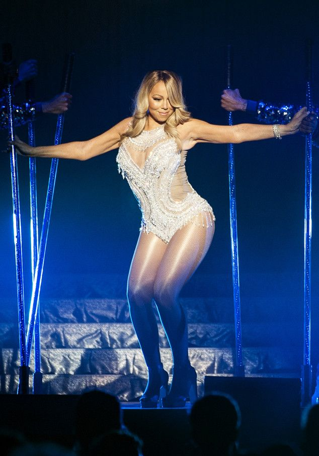 Mariah Carey Gets Carried Around Like a Queen to Kick Off World Tour | E! Online