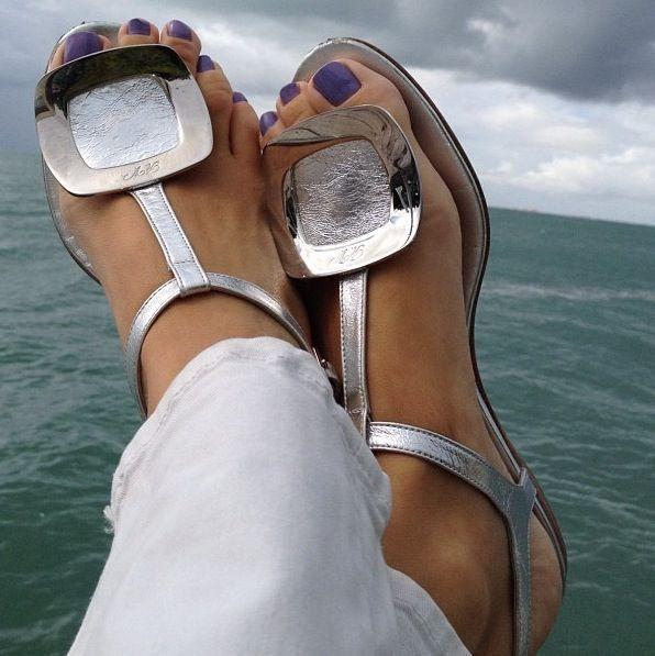 Roger Vivier silver flat sandals :) #rogerviviersandals #rogervivierheels #rogervivierflats