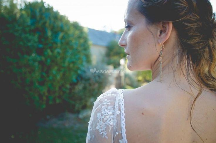 La tradition veut que la mariée soit en possession d'un objet bleu, neuf, vieux et emprunté le jour de son mariage. Ils seraient à eux quatre comme des porte-bonheur pour le jeune couple. Mais que signifie exactement cette coutume ?