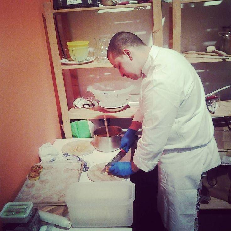 Lo #chef all'opera nella #cucina segreta del #tavoloconvivialità tema: #escargot #agriwinter #agrinatura #showcooking #tastegood