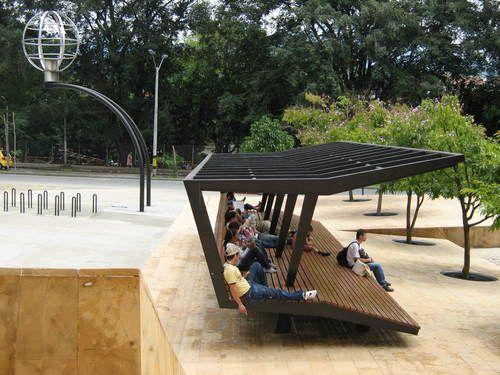 Mobiliario urbano en Medellín. - danielandresrg