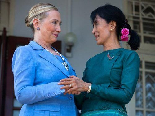 Secretary of State Hilary Clinto and Aung San Suu Kyi