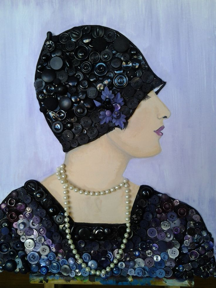 A Flapper girl, I  made it with a lot of old Buttons and Acryl paint.