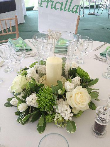 お花&ロウソク ❎クロスとお花が-白すぎ-