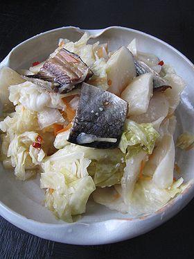 鰊漬け - 食ペディア 北海道の伝統的な漬け物・鰊漬けは各家庭それぞれの秘伝の漬け方があるものです。 その年の気温や天候で漬ける時期や、食べ頃が決まるため、経験を重ねることで上手に ...