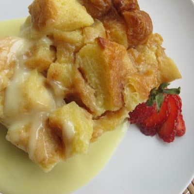 Nordstrom's White Chocolate Bread Pudding @keyingredient #chocolate #bread