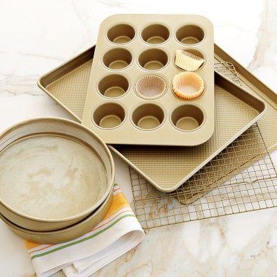 Williams-Sonoma Goldtouch® Nonstick 6-Piece Essentials Bakeware Set Williams-Sonoma #myholidaywishlist