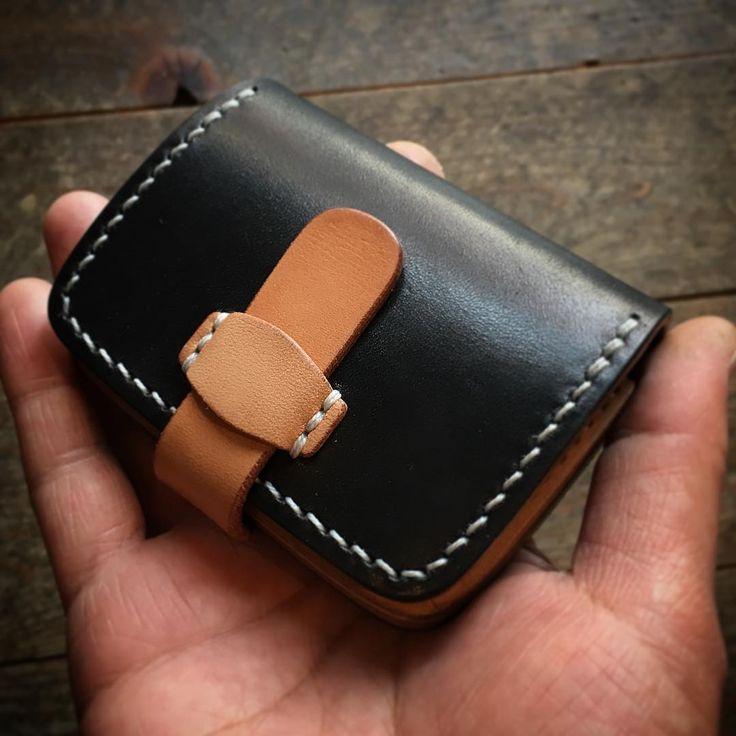 ☆ Coin Case ✴︎ コインケースでございます… ✴︎ #leather #leathercraft #leathergoods #leatherwork #leatherwallet #coincase #vegtan #handmade #handcut  #handsewn #leatherstyle #kayenta #handmadeleather #leathergram #fashionitem #leatheritem #madeinjapan  #レザー #レザークラフト #コインケース  #ハンドクラフト #小銭入れ #革財布 #革細工  #革小物 #手作り #手縫い  #栃木 #小山市 #カヤンタ