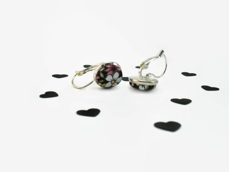 Small Dangle Earrings with Flowers, Vintage Style Floral Black Earrings, Trendy small dangle earrings, Silver Plated, Handmade in Portugal by ScrapCati on Etsy