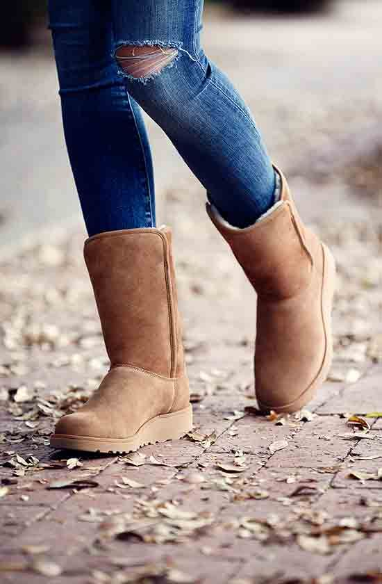 Step up your #UGGBoot style with the Amie from the #ClassicSlim collection. A bit more narrow and a little more feminine.