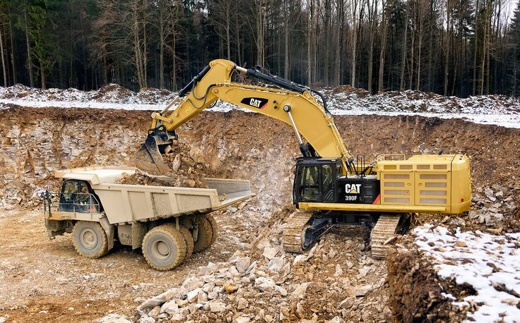 Caterpillar rolls out new machines and technology at