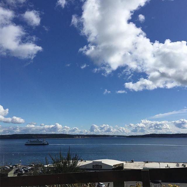 We hit the jackpot! Gorgeous weather while we visit spectacular & historic Port Townsend! #enjoypt #porttownsend #visitwashingtonstate #washingtonstate #jeffersoncounty #usa #familyfun #familyfuntravel