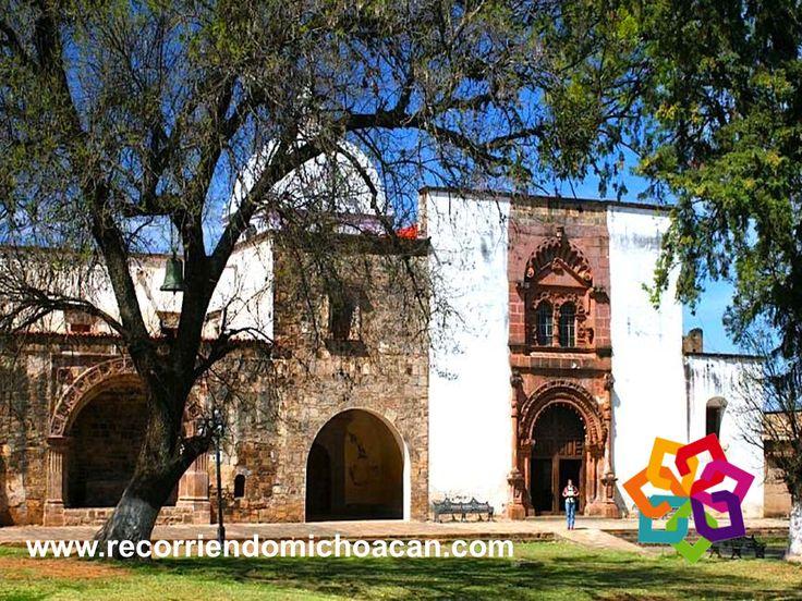 """Tzintzuntzan significa en lengua tarasca """"Lugar de Colibríes"""", en este pueblo mágico hay atracciones imperdibles, como es el hermoso convento franciscano de Tzintzuntzan, cuya construcción se remonta al siglo XVI. La leyenda cuenta que los olivos que crecen en su atrio, fueron plantados por Vasco de Quiroga. HOTEL ESTEFANIA http://www.hotelestefania.com.mx/"""