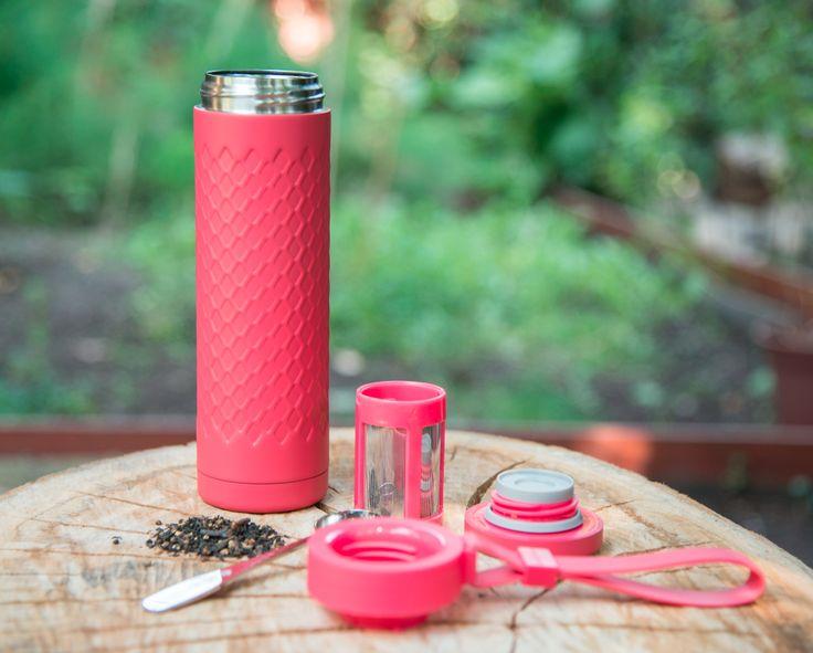 Travel Mug de acero inoxidable. Lleva tu té a todos lados con este infusor portátil de Adagio Teas