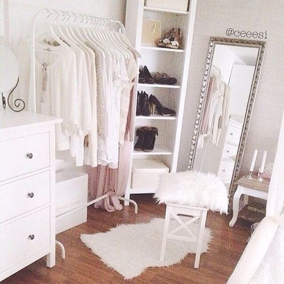 1000 images about decor details on pinterest foyers sofas and traditional homes - Girly bedroom decorating ideas ...