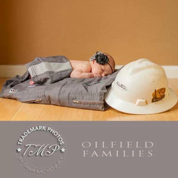 Oilfield families - newborn photography. Trademark Photos by Tami McKenney www.tamimckenney.com