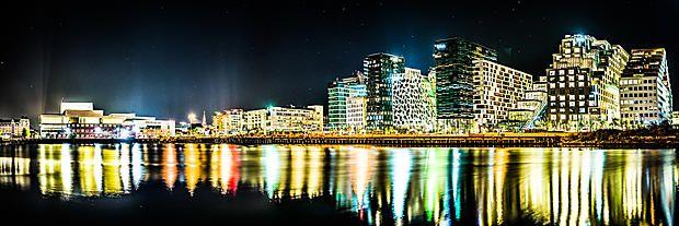 """""""Oslo Opera og Barcode"""" - Veggbilder Fotokunstner - Veggbilder.no"""