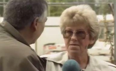 PikanteSzenen aus der deutschen Toleranz-Historie: In der Berliner Abendschau vom 28. September 1989 sehen wir aufgeschreckte Westdeutsche, die den Bau eine