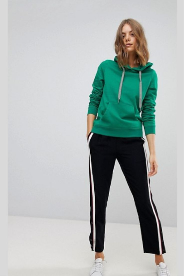 Love love love!!! Vero Moda Color Pop Hoodie | #Asos | women's hoodie | #kellygreen | #greenhoodie | pop of color | #brightcolor | #activewear | #gymwear | #runningclothes | #jogging clothes | #yoga | #workoutgear | #ad