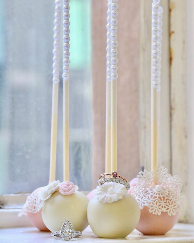 Cake and bling, the perfect match // KL Diamonds