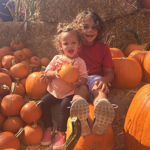 Kendra Wilkinson's kids Hank and Alijah (October 17, 2015)