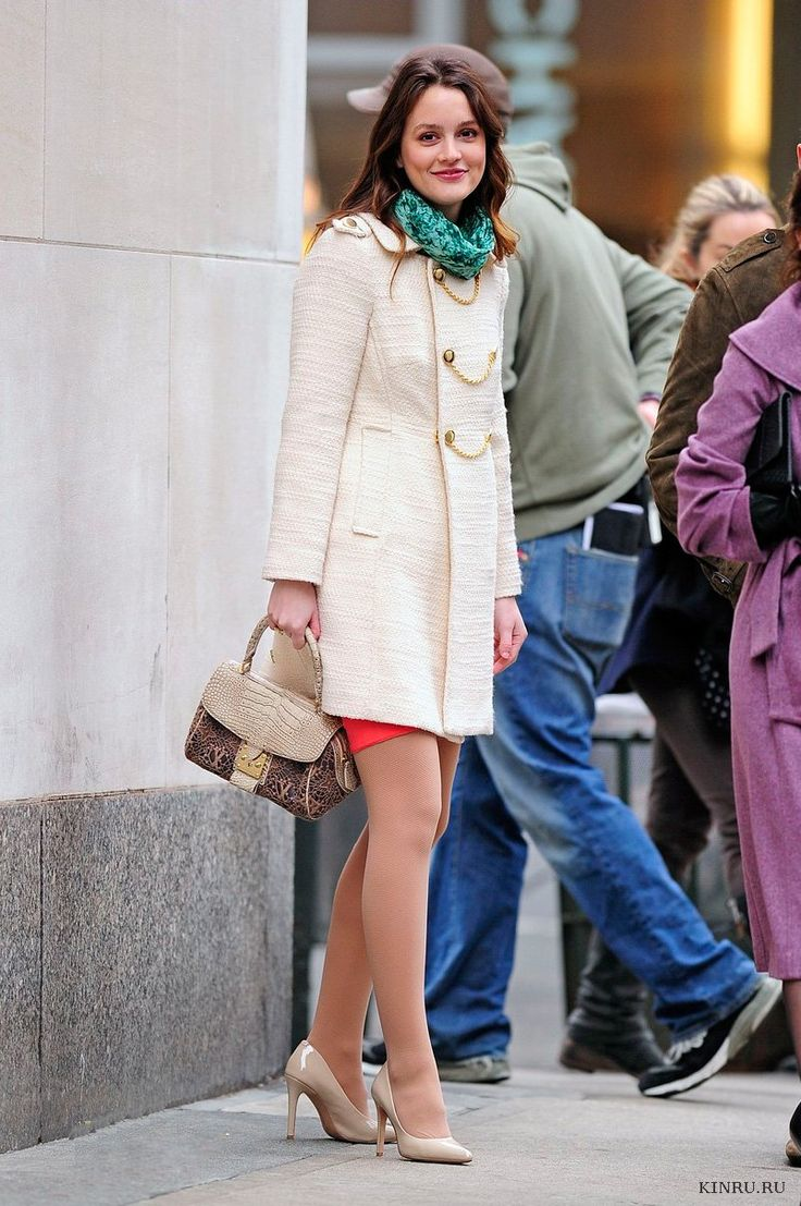 Leighton Meester style | Ivory double-breasted wool coat