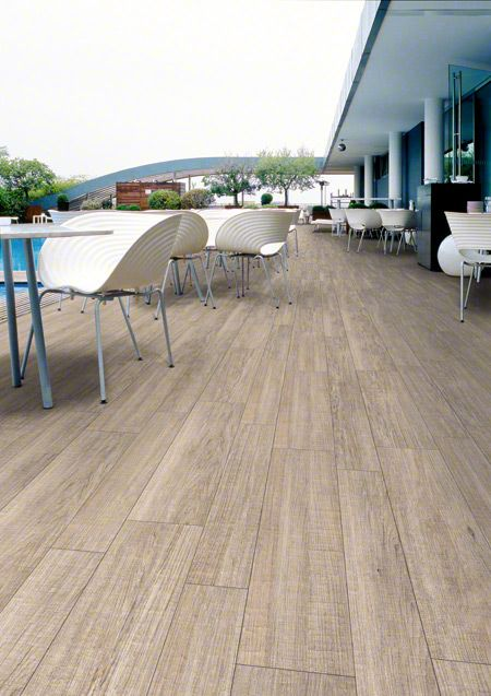 Wooden porcelain tile for a pool ORSA: Orsa-cr Blanco - 44'3x89'3cm. | Floor Tiles - Porcelain | VIVES Azulejos y Gres S.A.  #porcelain #tile #outdoors