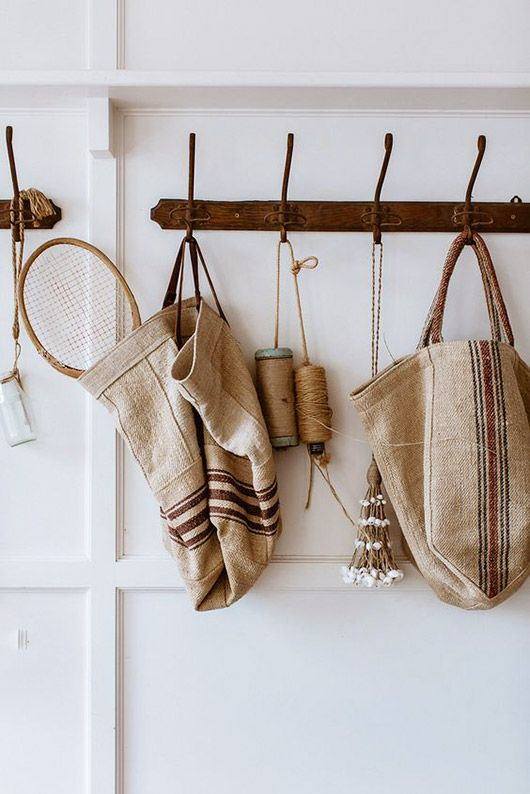 retro hallway hooks with woven bags and accessories. diy inspiration / sfgirlbybay