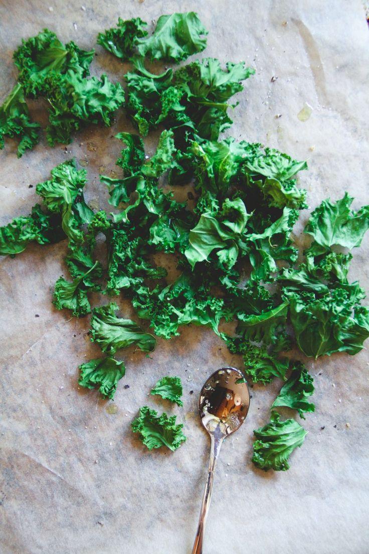 Crispy kale chips recipe | VEGAN