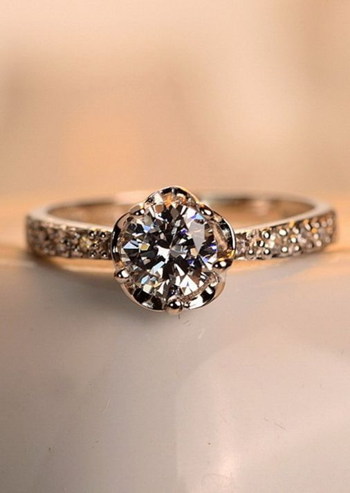 This is the exact ring I want in white gold. Everyone tell my future husband. PROMISE RING ALERT! I am in love with this promise ring!!!