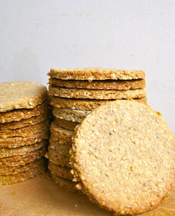 Scottish oatcakes. These are the standard measurements I use: 3 cups old fashioned oats,1/2 tsp baking powder, 1 cup boiling water (buttermilk tastes better), 3 tbs butter, 1/2 tsp salt. Preheat oven to 350.  Bake 20 minutes.