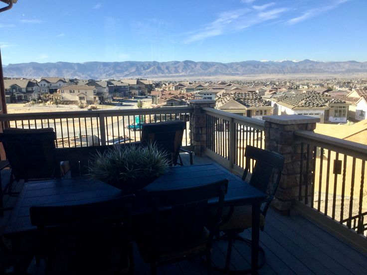 Build a home in Highlands Ranch, Colorado with mountain views!  Click to learn more.