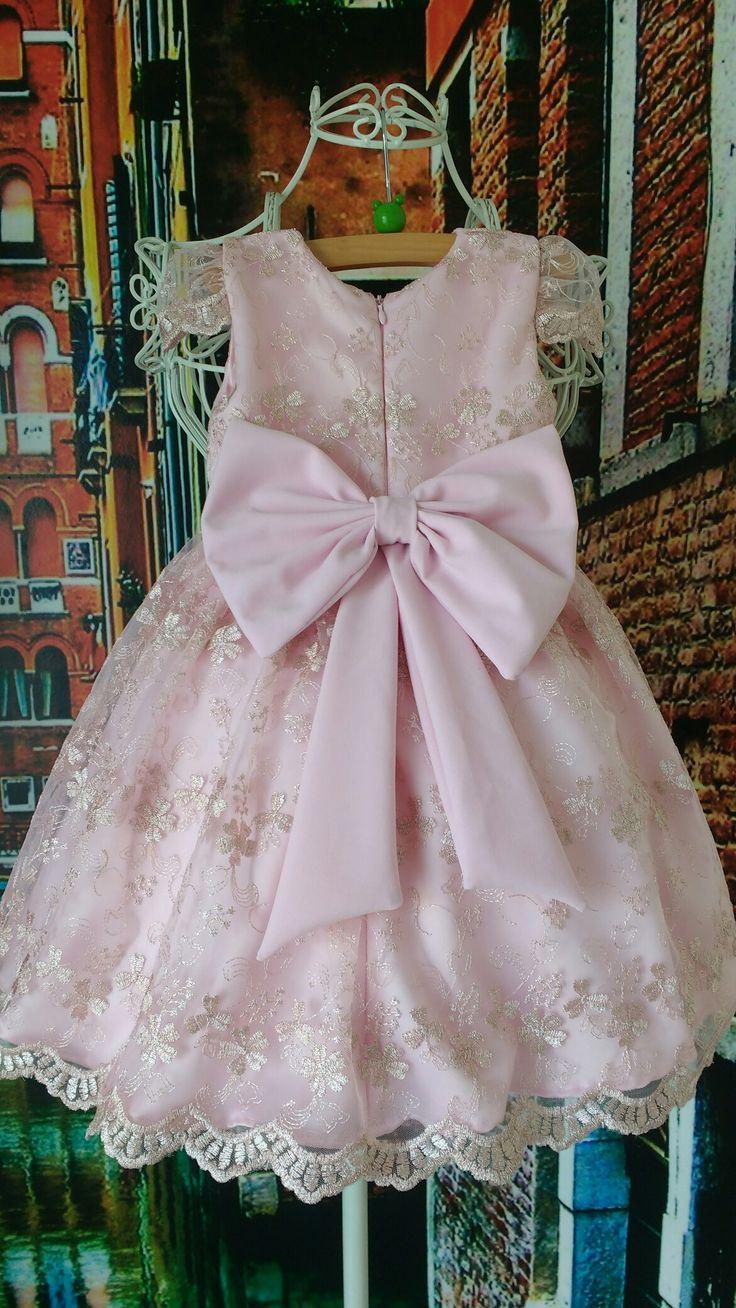 Vestido de renda infantil Por Ateliê Mirian Rosa