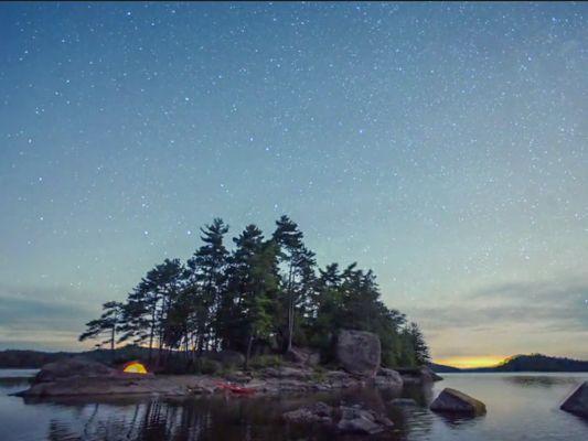 Parc régional du Poisson Blanc. J'aimerais vraiment aller faire du camping sur une ile privée. C'est  pas cher en plus!! Peut-être même cet été... :-)