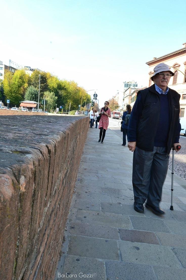 Camminare davanti al Castello - Barbara Gozzi©