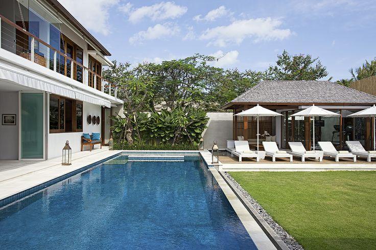 Villa Cendrawasih - Pool and lawn http://prestigebalivillas.com/bali_villas/villa_cendrawasih/50/photo/