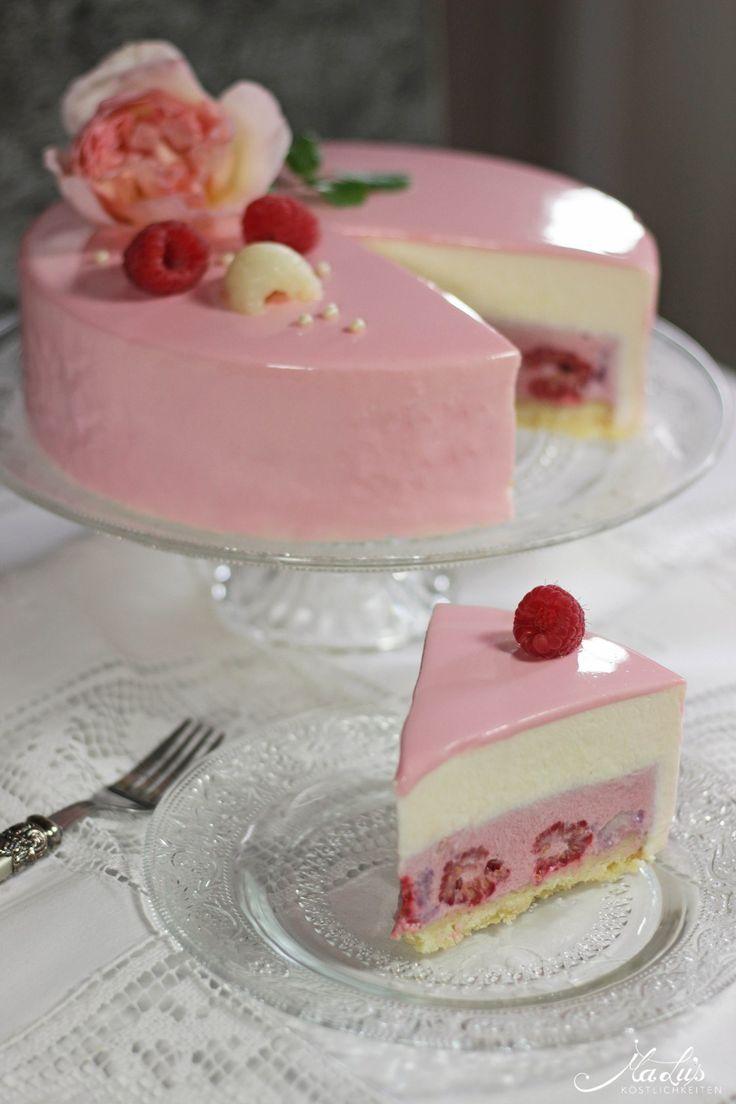Himbeer-Lychee-Rosen Torte mit Mirror Glaze