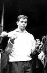 Deutscher Serienmörder Jürgen Bartsch. Verging sich an Knaben und ermordete diese. Ende der 1960er Jahren bestimmten seine bestialischen Morde lange Zeit die Medien.