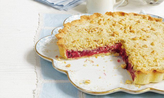 The perfect combination of apple and blackberry tart with a crumble, this is ideal for using home-grown or foraged fruit in the autumn or winter.