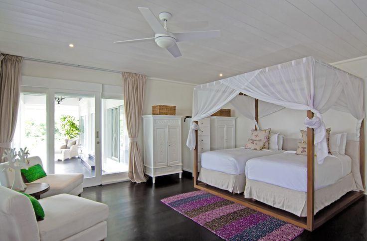 A specious and luxurious bedroom design at Villa Gajah Putih . #bali http://www.thebaliluxuryvillas.com/villa/villa-gajah-putih-bali/