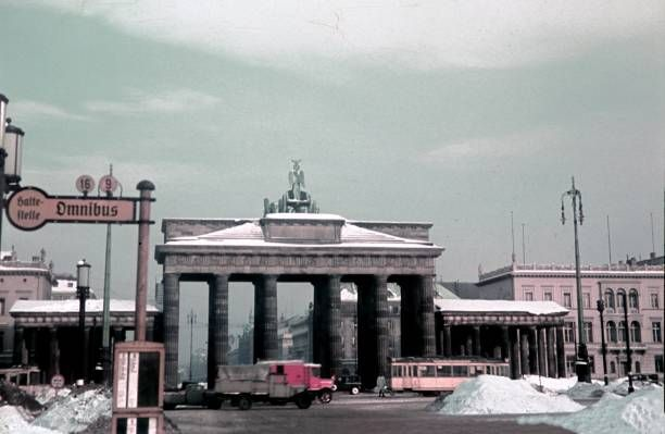 1940 Hindenburg Platz Und Brandenburger Tor Brandenburger Tor Bahn Berlin Berlin