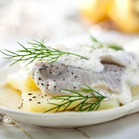 Matjes-Filet in Apfel-Dill-Sahnesauce